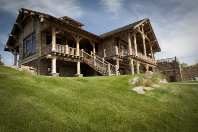 Central Montana Lodge - narrow sloping site